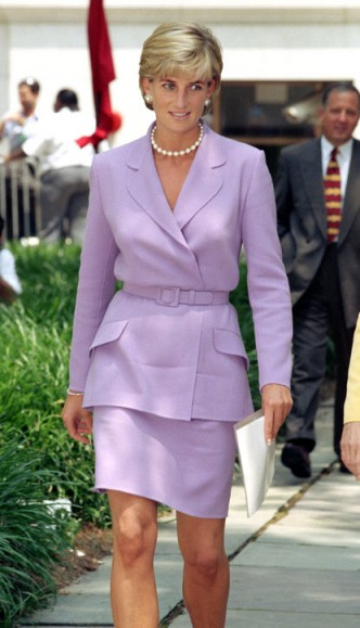 Princess Diana in a lilac suit and pearl accessories. Diana's style ~ royal fashion ~ royalty ~ outfits
