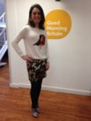 Laura Tobin with a little robin jumper on from HM and accessorize.com earrings!