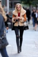 Winter street style chic. Warm jackets – outfits