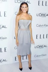 Sarah Jessica Parker looks so pretty in this grey strapless cocktail dress by Calvin Klein, attending the 2012 ELLE Women in Hollywood Celebration ~ style icons ~ celebrity dresses ~ fashion
