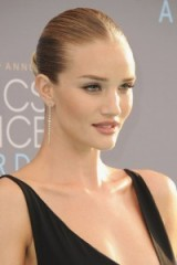 Rosie Huntington-Whiteley's sleek updo, perfect neutral makeup and one strand diamond drop earrings – 2016 Critics' Choice Awards. Celebrity hairstyles | updos | star style beauty | jewellery