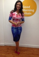 Ooooo…look…Susanna Reid with pink LKBennett.com shoes on, and her pink and blue damselinadress.co.uk dress in mighty fine as well