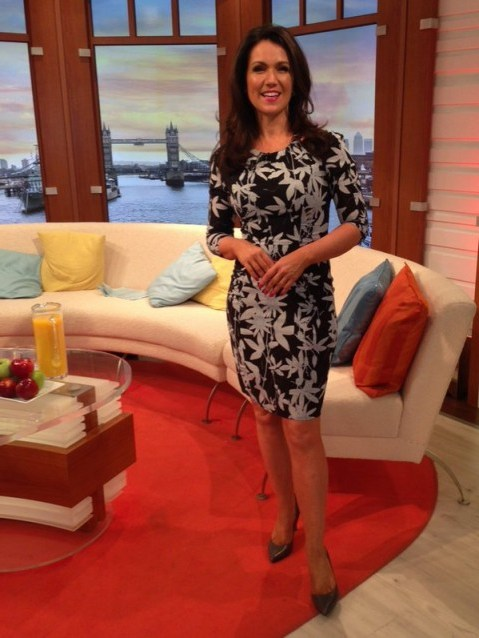 Susanna Reid on GMB this morning look gorgeous in her dress (whistles.com) and shoes (jonesbootmaker.com) - flipped