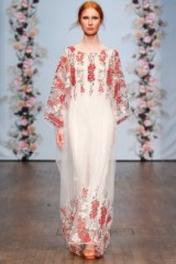 Ida Sjöstedt Spring 2016 – red and white floral gown