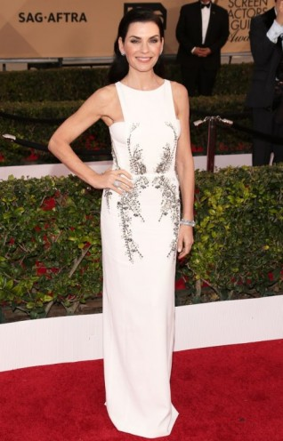 Julianna Margulies in Antonio Beradi – 2016 SAG Awards. Celebrity fashion | designer gowns | red carpet dresses | celebrities at events