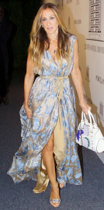 Sarah Jessica Parker chose a pale blue & nude Alberta Ferretti couture gown and jewelled sandals to attend the Madison Square Park Conservancy Fall Fundraising Gala in September 2015 ~ celebrity fashion ~ style icons ~ floral gowns