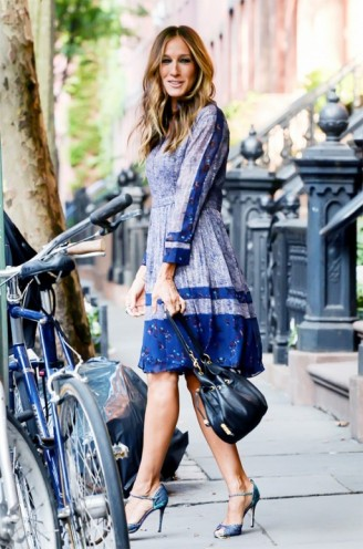 Sarah Jessica Parker steps out of her New York home in a blue Rebecca Taylor floral dress, accessorized with SJP by Sarah Jessica Parker metallic sandals & bucket bag ~ style icons ~ celebrity fashion