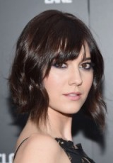 Mary Elizabeth Winstead short wavy bob – celebrity hairstyles – hair beauty & make up