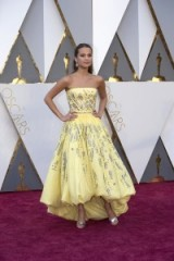 Alicia Vikander in Louis Vuitton – 2016 Oscars gowns – red carpet looks
