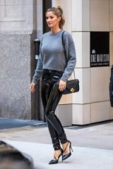 Gisele Bundchen out and about in New York City, April 2016. Celebrity street style | casual chic outfits
