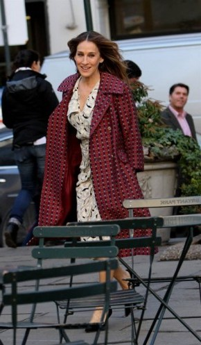 Sarah Jessica Parker on the set of Divorce in New York, 2 February 2016 ~ SJP style - flipped