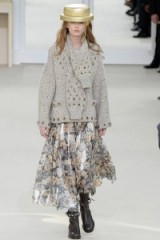 Chanel Ready to Wear F/W 2016 PFW – autumn trends – luxury fashion – runway outfits – luxury winter knits – luxe clothing