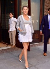 Blake Lively out in New York – celebrity street style – Blake Lively's pregnancy outfits – chic looks – silver & white