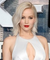 Jennifer Lawrence's shoulder length silver blonde hair and red lips. Celebrity hairstyles | make up and beauty