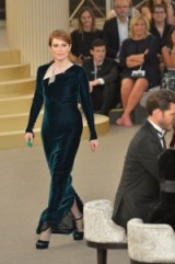 Julianne Moore for Chanel at Paris Fashion Week Haute Couture F/W 2015-16 – runway fashion – chic style evening wear – designer clothing – elegant occasion dresses