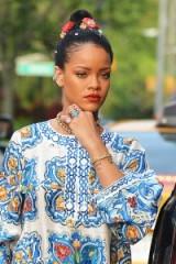 Rihanna out in new york ~ Rihanna's jewellery ~ celebrity style ~ dolce & gabbana ~ bling