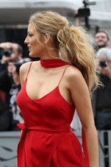 Blake Lively with her hair in a messy ponytail ~ celebrity hairstyles