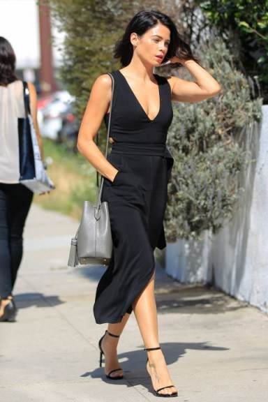 Actress Jenna Dewan Tatum looking chic all in black ~ stylish outfits ~ women with style - flipped