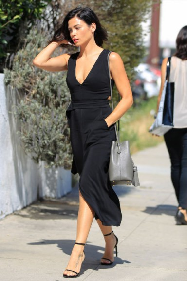 Actress Jenna Dewan Tatum looking chic all in black ~ stylish outfits ~ women with style