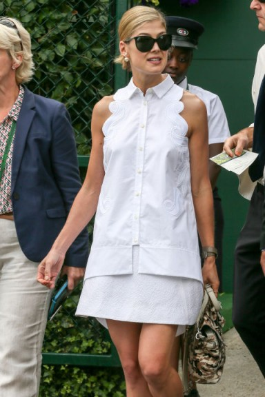 Actress Rosamund Pike dressed in a white Antonio Berardi shirt dress ~ stylish women ~ summer outfits ~ women with style