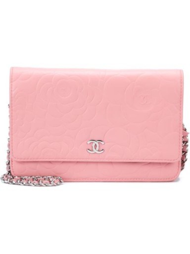 CHANEL VINTAGE embossed camellia wallet crossbody bag…such a pretty little bag! / designer accessories / luxe bags / pink handbags / chic style - flipped