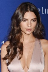 Emily Ratajkowski | celebrity hair | star style | makeup and beauty | long hairstyles