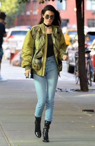 Kendall Jenner out and about in New York City, 21 June 2016. Casual star style | models off duty | celebrity street outfits | jackets | light blue denim jeans