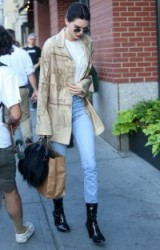 model Kendall Jenner street style out in New York City, 30 June 2016. Casual star style outfits | celebrity fashion | celebrities wearing denim | models off duty