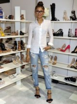 Zendaya Coleman style ~ casual celebrities ~ celebrity outfits ~ destroyed jeans ~ ripped denim