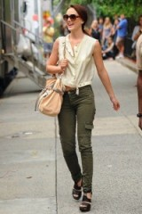 Blair Waldorf casual street style ~ gossip girl outfits ~ fashion ~ style ~ Leighton Meester
