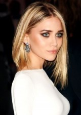 Ashley Olsen with straight blonde hair. Celebrity hairstyles | Olsen twins make up and beauty