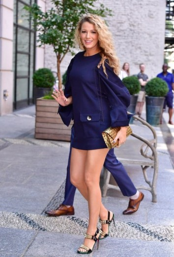 Blake Lively's pregnancy style wearing a navy mini dress and stud sandals – Blake Lively maternity outfits – celebrity fashion – blue mini dresses