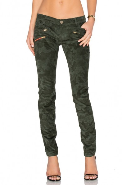 ETIENNE MARCEL Zip Skinny jeans with camo print. Khaki green denim | casual fashion | fitted | zips