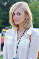 Fearne Cotton blonde shoulder length hair in a stylish bob. Celebrity hairstyles | make up and beauty