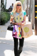 Paris Hilton casual street style – blonde celebrities – rich & famous – celebrity fashion