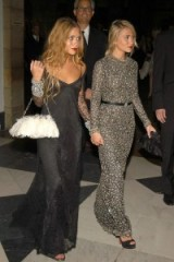 The Olsen twins looking glam. Glitz & glamour | Mary-Kate and Ashley Olsen style | celebrity dresses | star style evening outfits
