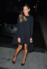 SJP chic style in a black long sleeve trapeze dress ~ Sarah Jessica Parker dresses ~ fashion ~ lbd ~ stylish outfits