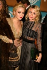 Olsen twins individual style   Mary-Kate and Ashley Olsen outfits   celebrity fashion