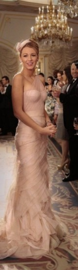 Blake Lively as Serena van der Woodsen wearing a stunning nude tulle gown ~ gossip girl gowns ~ dresses ~ outfits