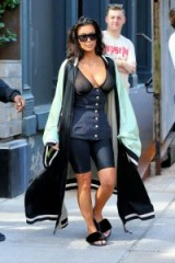 kim kardashian street style ~ stylish women ~ celebrity outfits ~ reality star