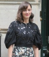 Marion Cotillard's beautiful floral embellished blouse at Dior Haute Couture F/W 2016-17 at PFW on July 4, 2016 – front row celebrities – details – designer blouses – French style – stylish actresses