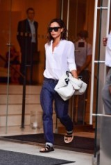 Effortless style from Victoria Beckham ~ women with style ~ casual chic ~ stylish women
