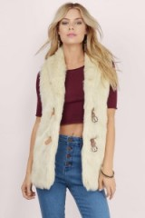 TOBI Wake me up in winter cream fur vest. Womens furry vests | faux fur gilets | womens outerwear | casual sleeveless jackets | autumn outerwear | warm fashion