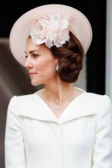 Duchess of Cambridge's chic hairstyles ~ Kate Middleton hair