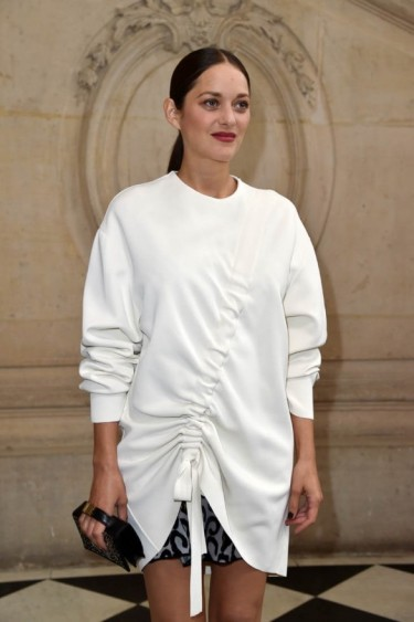 Marion Cotillard at Dior SS17 Paris Fashion Week ~ women with style ~ stylish French actresses