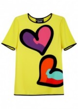 BOUTIQUE MOSCHINO Yellow heart-print top ~ colourful yellow printed tops ~ tees with big hearts ~ designer fashion ~ graphic tee