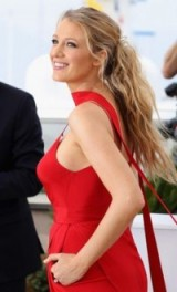 Blake Lively's beautiful messy ponytail ~ celebrity hair & beauty ~ star hairstyles ~ event ponytails