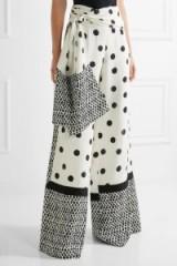 OSCAR DE LA RENTA Printed silk crepe de chine wide-leg pants. Chic designer trousers   luxe designer fashion