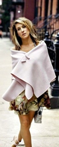 Carrie Bradshaw style…making a pink pashmina look stylish - flipped