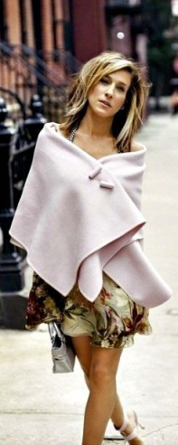 Carrie Bradshaw style…making a pink pashmina look stylish
